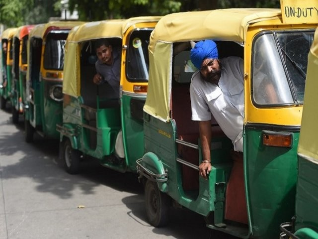 Delhi: Auto rickshaw fares hike approved by AAP government