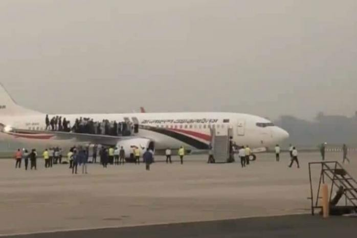 Dubai-bound plane hijacker shot dead by Bangladeshi troops, passengers safe