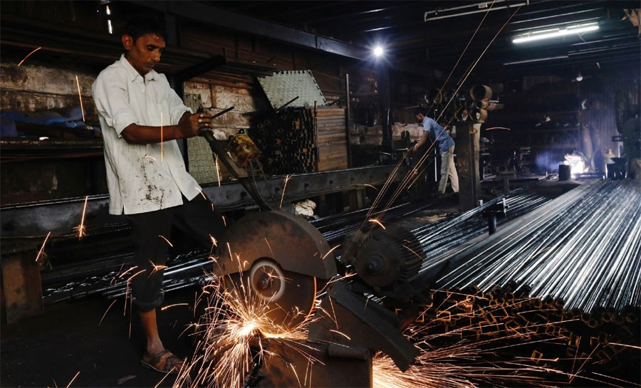 India's manufacturing growth at 6-month low in March: PMI