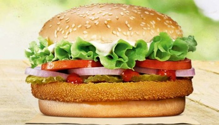 Pune man chokes, spits blood after eating burger with 'glass pieces'