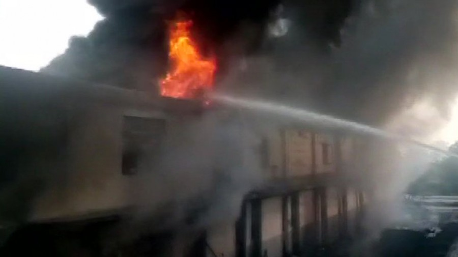 Massive fire breaks out at auto parts factory in Delhi, no casualties
