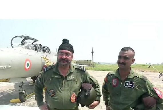Abhinandan Varthaman, who downed Pak F16, flies again, this time with IAF chief