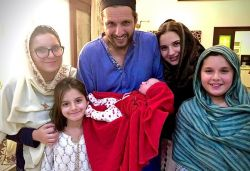Shahid Afridi becomes father for 5th time, shares pic with all 5 daughters