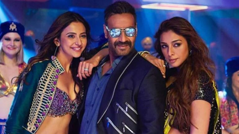 De De Pyaar De box office collection Day 3: Ajay Devgn-Tabu starrer scores big on Sunday