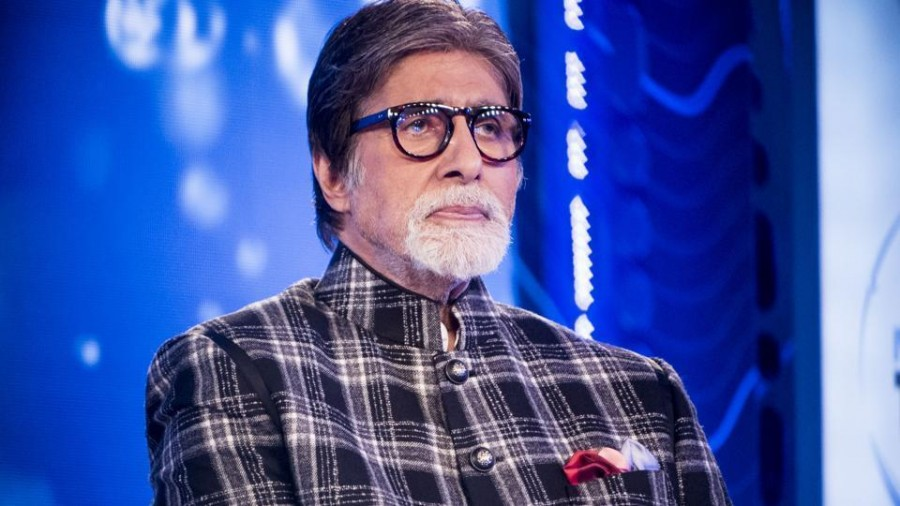 Amitabh Bachchan suggests new Hindi Term for Selfie: Gets hilarious reactions from Netizens