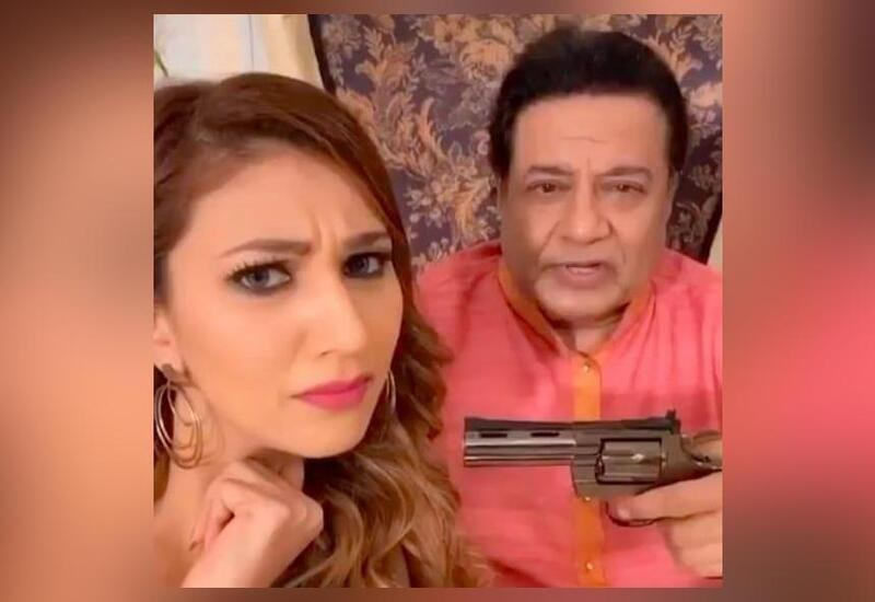 Anup Jalota holds gun while lip syncing song with Jasleen Matharu; video viral
