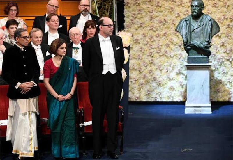 Dressed in dhoti Abhijit Banerjee receive Economics Nobel, wife Esther Duflo stuns in Saree