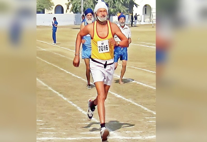 78-year-old Bakshish wins gold in the 1500 meter race; dies after suffering heart attack during relaxation