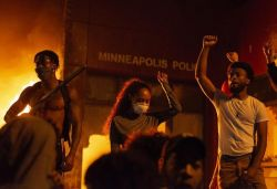 Protesters set fire to police station in US' Minneapolis over killing of black man