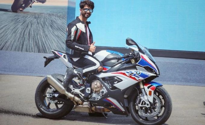 BMW S 1000 RR launched, price starts at Rs 18.50 lakh
