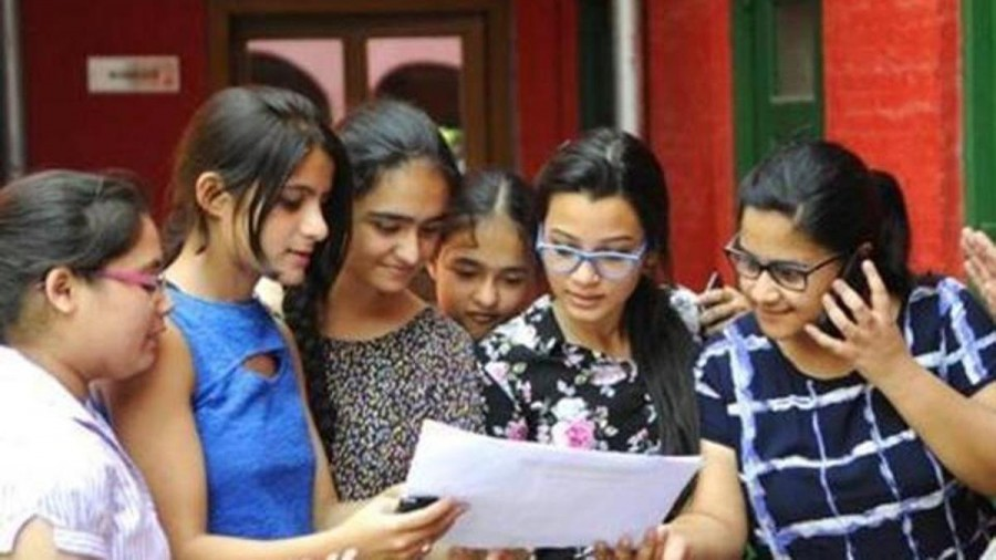2 UP girls top CBSE Class 12 exam with 499 marks; pass percentage 83.4