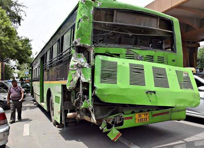 1 Dead, 15 Injured as Truck Rams Into DTC Bus Near New Delhi's ITO