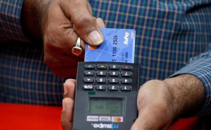Never use debit card for shopping or online. Why? This famous con artist explains