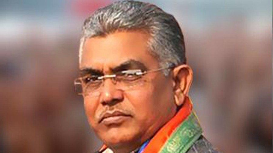 BJP leaders Dilip Ghosh, Sarma's convoy attacked in Bengal