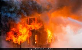 Delhi: Fire breaks out in nail polish factory