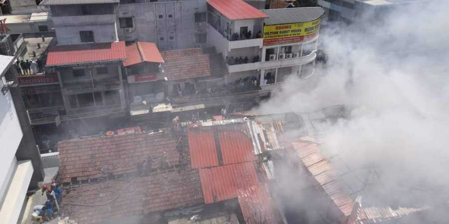 Major fire breaks out in Kochi's Broadway street, three shops burnt down to ashes