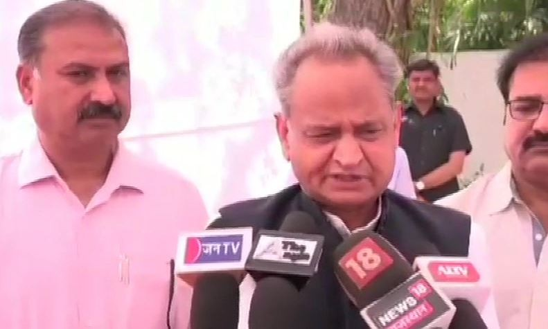 Lok Sabha election 2019 : For first time in 70 years, armed forces are being politicised,says Gehlot