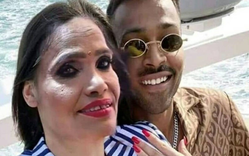 Hardik Pandya Propose To Ranu Mondal And Not Natasa Stankovic, Viral pics