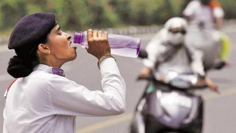 Heat wave continues across North India, red-colour alert issued in Delhi-NCR