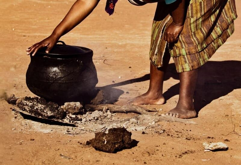 Kenyan woman with no food boils stones to make kids believe she's preparing meal