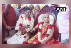 67-yr-old man marries 65-yr-old woman at Kerala old age home; pics surface