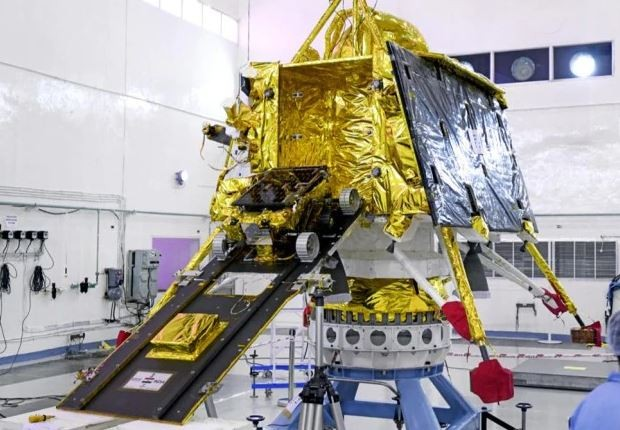 Chandrayaan-2: Hope fading for Vikram lander as night descends on Moon