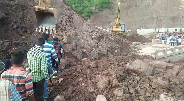 Two dead after landslide hits truck in J&K's Doda