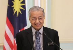 World's oldest PM, Malaysia's Mahathir, submits resignation to King
