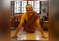 Milind Soman's mom does push-ups on 81st b'day, actor shares video