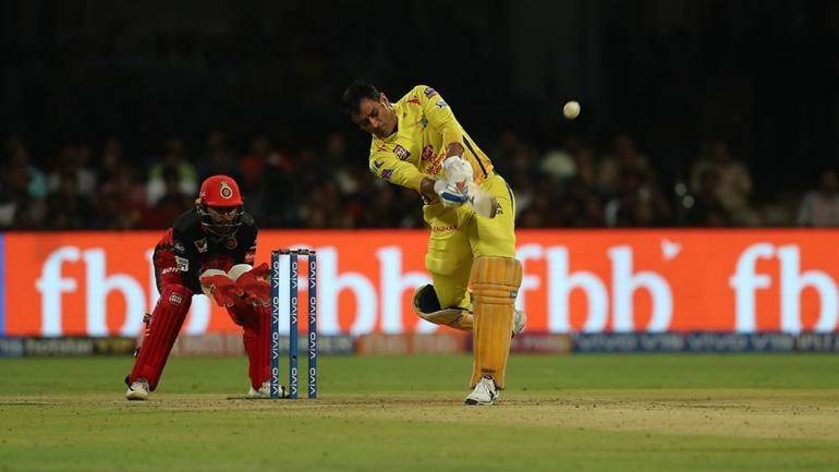 MS Dhoni 1st Indian to hit 200 sixes in Indian Premier League