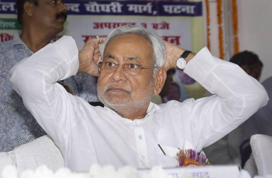 NDA and mahagathbandhan face-off over face of CM in Bihar