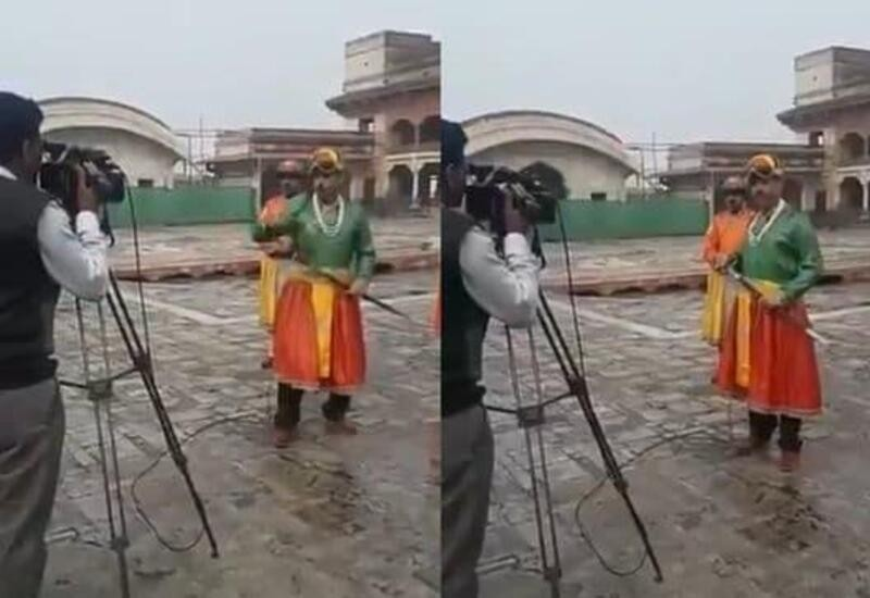 Pakistani journalist dresses up as emperor to report news, video goes viral