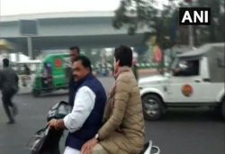 Man who gave Priyanka a ride issued ₹6,100 challan for not wearing helmet