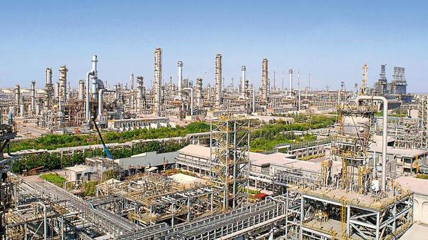 Reliance Industries looks to strengthen petrochem business