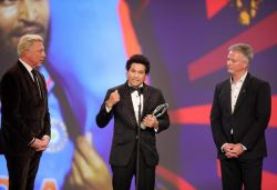 Sachin's 'Carried on Shoulders of a Nation' 2011 WC moment wins Laureus Award