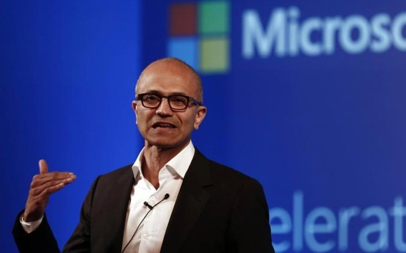 Satya Nadella refuses to withdraw Microsoft's HoloLens contract with US military