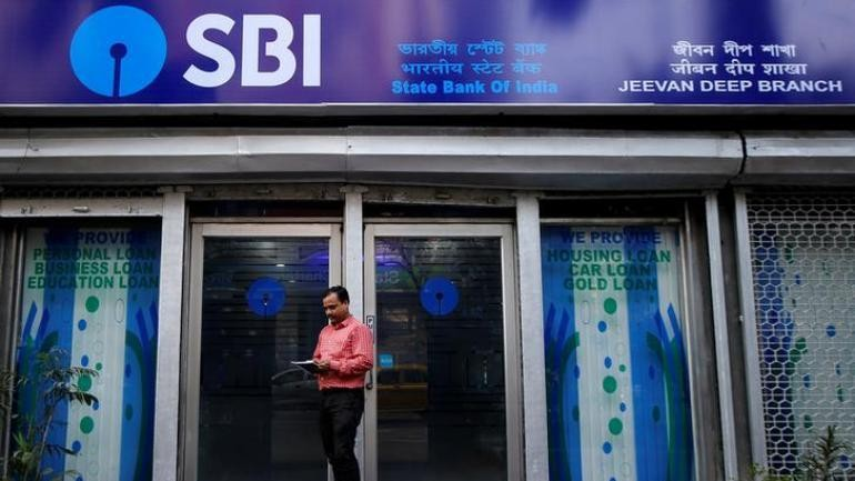 SBI links repo rate to savings account, loans