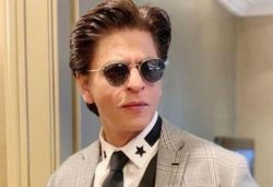 I'm still not comfortable in shopping underwear online: Shah Rukh
