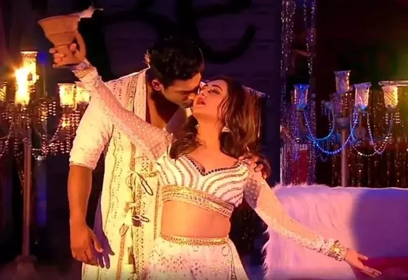 Siddharth Shukla, Rashami Desai to perform on romantic songs at grand finale, Watch video