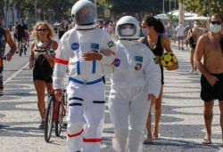 Couple wears spacesuit to beach amid coronavirus pandemic in Brazil, pic goes viral