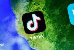 Amazon bans TikTok from staff phones, later says order sent in error
