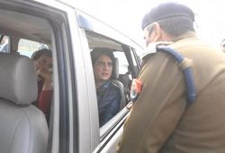 Rahul, Priyanka stopped on way to meet CAA protest victims' families