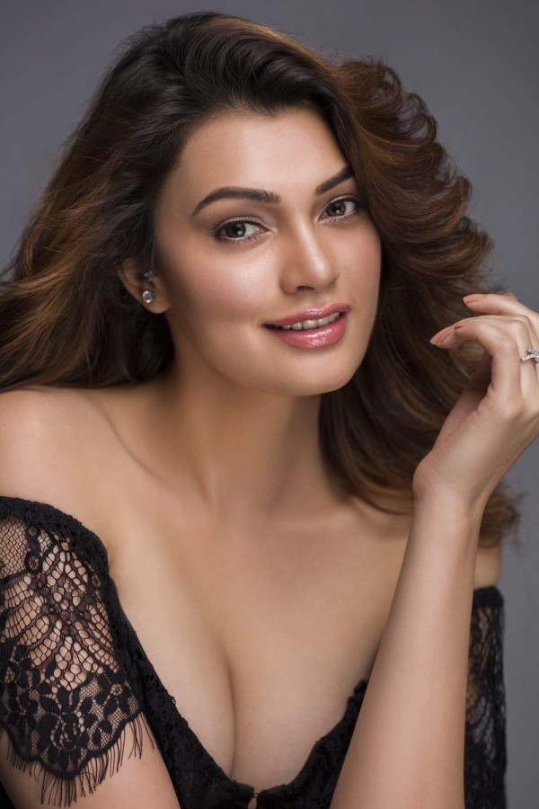 Miss India Worldwide 2019 Tanishq Sharma wants to work with Akshay , Salman and Hrithik