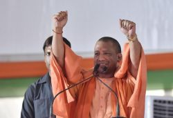 UP CM Yogi transfers ₹611 crore to bank accounts of 27.15 lakh workers
